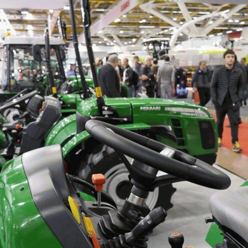 Eima maatalousmessuille Italiaan